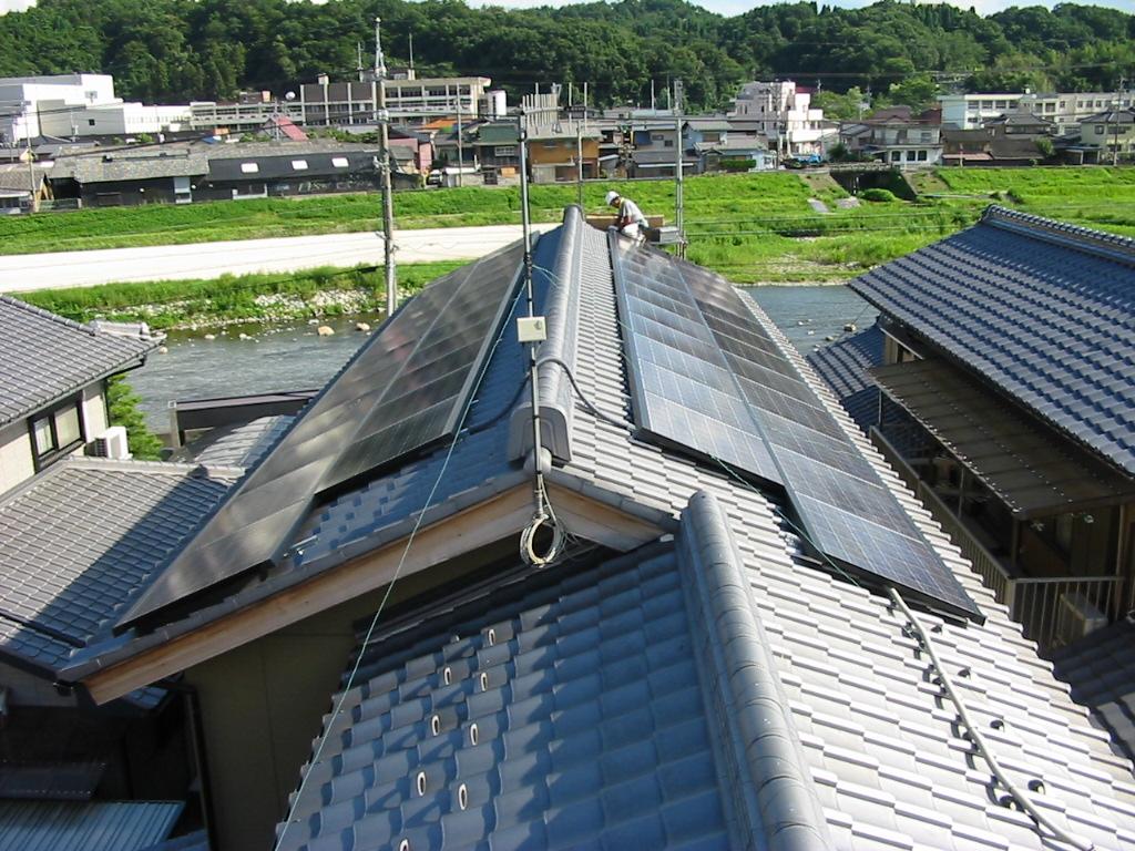 土岐市に太陽光発電(S様邸 7.038kwシステム)を施工