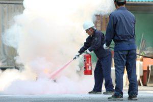 消火器による消火